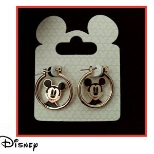 Disney NWT Mickey Mouse earrings